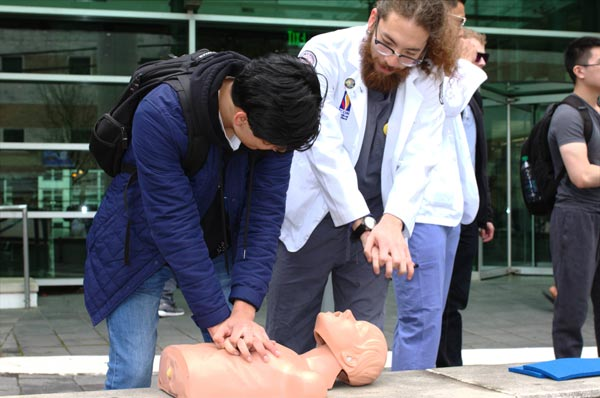 Medical Students Lead CPR Training Effort in Georgia
