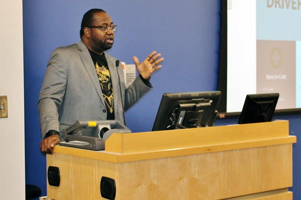 Wright Addresses GA-PCOM Students about Health Disparities