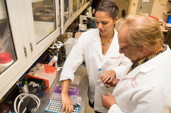 Anahi McIntyre (MS/Biomed '18) is pursuing a concentration in research at PCOM.