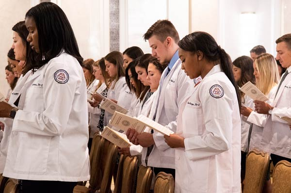 Physician Assistant Studies Class of 2021 Receives White Coats