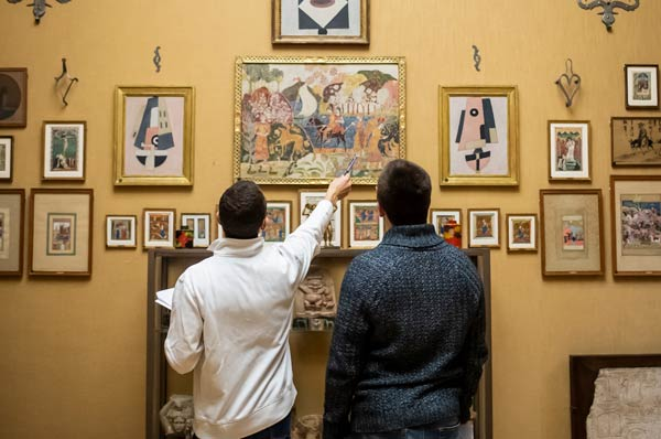 DO Students Study Picasso, Cézanne to Hone Primary Care Skills