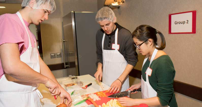 PCOM DO Students Learn Healthy Cooking Through Culinary Medicine