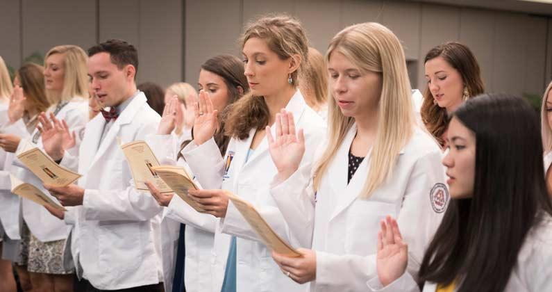 GA-PCOM PA Studies Class of 2020 Receives White Coats
